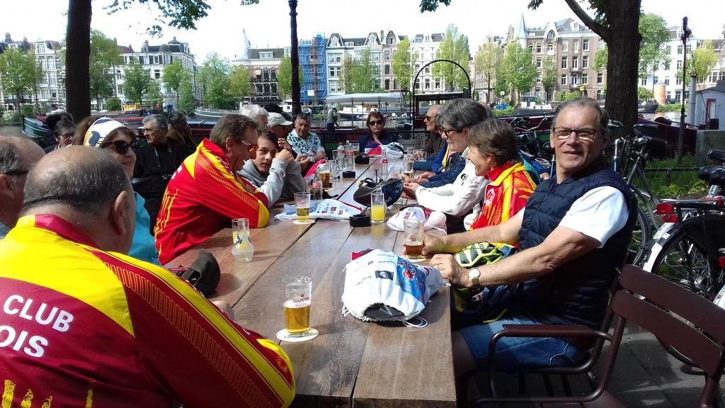 051 Rafraichissement dans la ville d' Amsterdam
